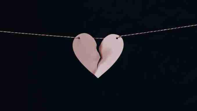 A broken heart (c) KarinSieger.com